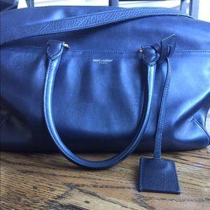 Saint Laurent Duffle 6 bag in black